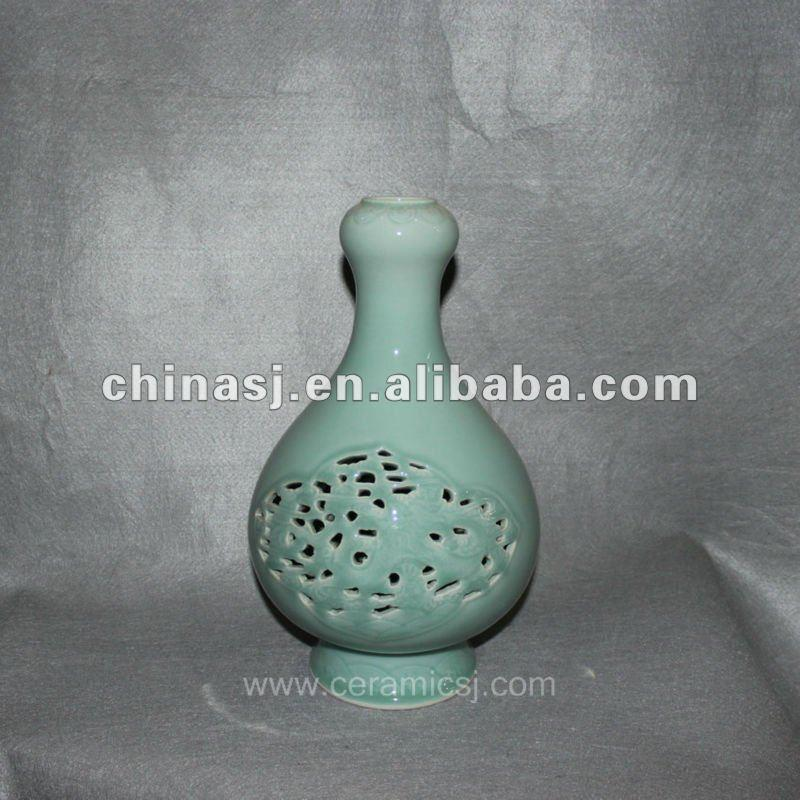 hand made green ceramic Vase RYVE03