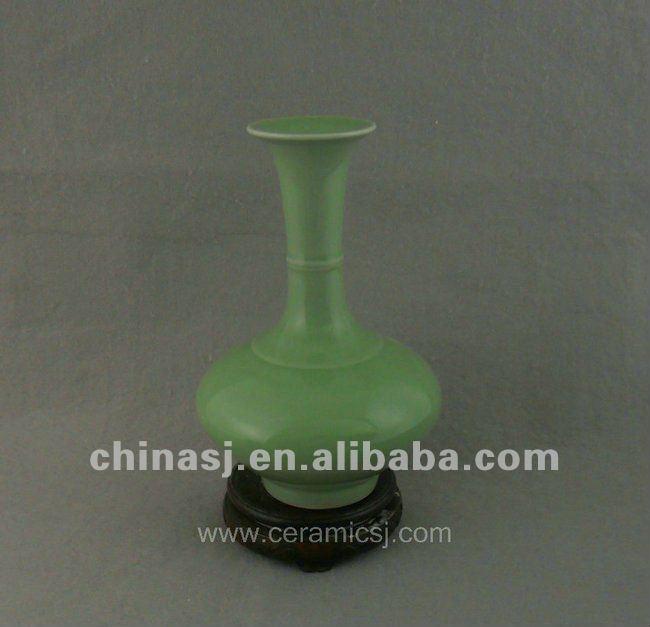antique green glaze porcelain vase with long neck WRYDM03