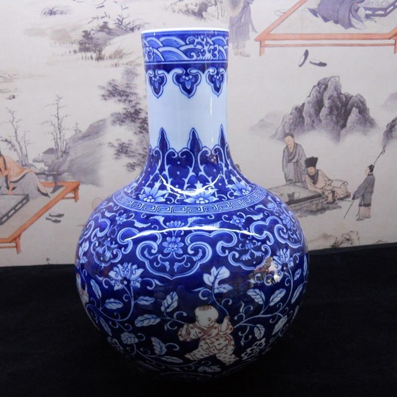 Chinese hand made blue and white Ceramic Vase WRYBB80