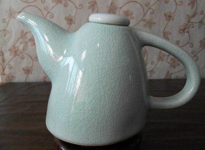 Celadon Tea Pot with Unique Style WRYGZ08