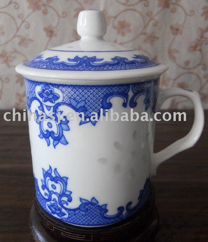 Blue And White Ceramic Mug With Lid Wryhz10 Jingdezhen