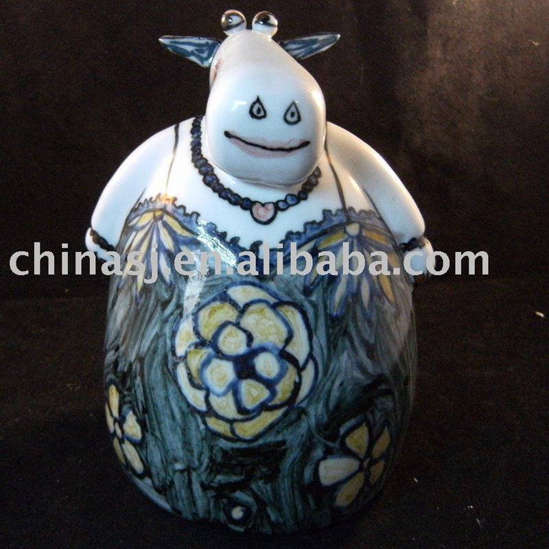 Ceramic cow animal figure WRYEK01