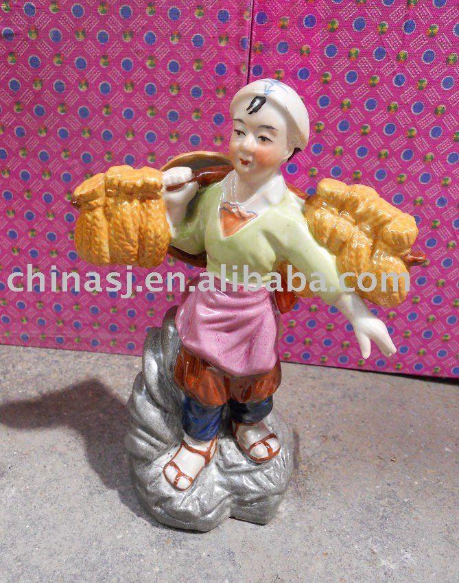 Culture Revolution Porcelain Statue WRYGU07